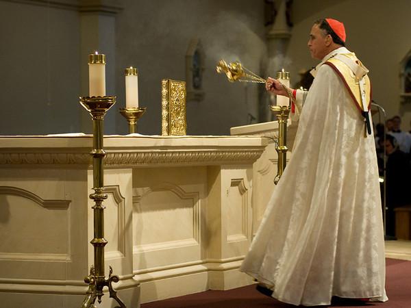 Cardinal Daniel DiNardo, who leads the Archdiocese of Galveston-Houston, presides over the ordination Mass of Bishop Joe S. Vásquez.